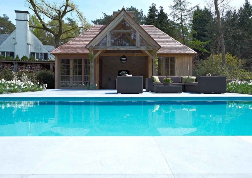 eiken-poolhouse-lloyd-hamilton