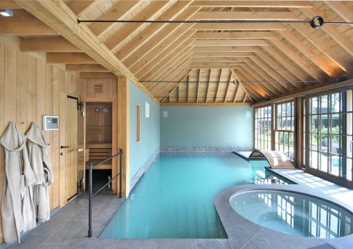houten-poolhouse-oak-wellness-lloydhamilton