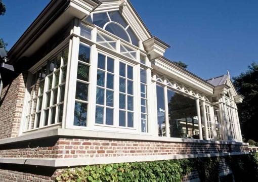 lloyd-hamilton-orangerie-home-extension-bijgebouw-outdoor-living-poolhouse-houten